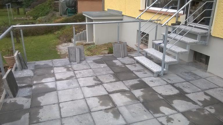 Treppe, Stufen und Geländer