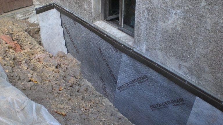 Sockel und Fassade