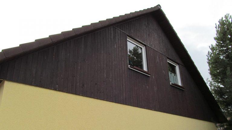 Verschieferung und Holzverkleidung